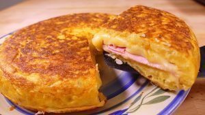 POTATO OMELETTE STUFFED WITH HAM AND CHEESE recipe