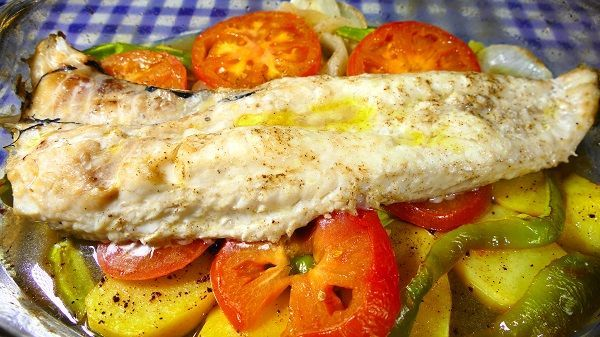 Baked hake with vegetables