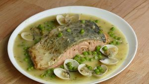 Salmon green sauce. It´s not the typical fish recipe with green sauce in which we use a hake as a principal ingredient