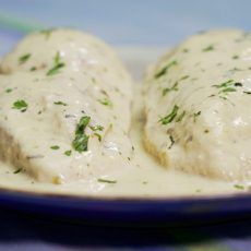CHICKEN BREASTS WITH CREAM AND CHEESE SAUCE RECIPE