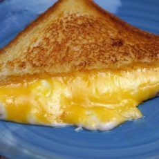 MELTED CHEESE SANDWICH
