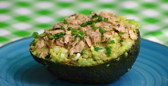 Tuna stuffed avocado. It is a healthy idea for to stuff this fruit. If you follow that simple steps you will obtain a delicious recipe.