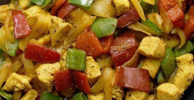 Chicken stir-fry. It is a easy recipe very quick to make at your home. You can add the vegetables to your taste. It is ideal for any occasion. Try it!