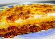 Minced meat lasagna with bechamel. This is the traditional Italian meat lasagna. You can make it with beef or pork meat, to your tasty.