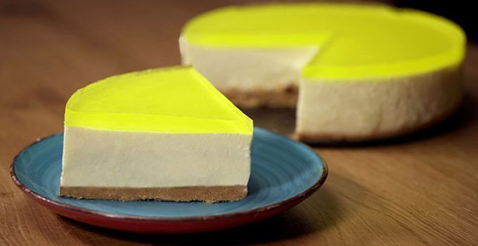 No bake lemon cheesecake. Make an easy way a delicious and refreshing dessert without oven, ideal for the hottest days of the year.