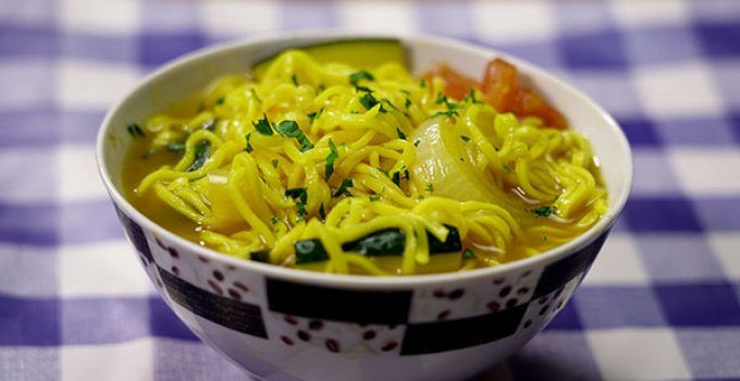 Chinese noodle soup. Make in a easy form a delicious Asian soup. It is very easy to prepare at your home with few ingredients. Try it at your home!